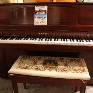 Yamaha M450 Colsole Piano